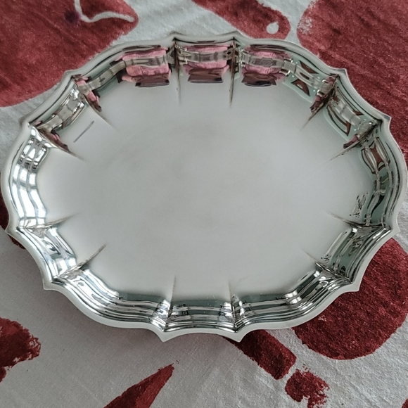 Oneida Chippendale oval mint dish